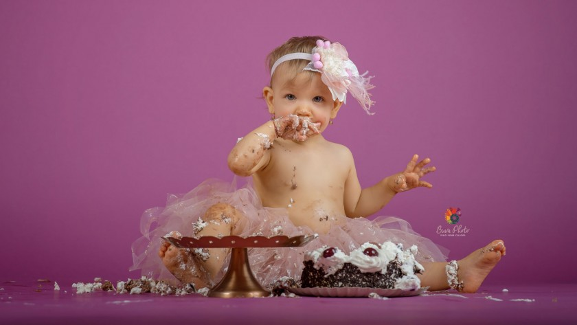 Natalia si Antonia -smash the cake