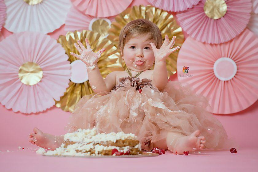 Olivia -smash the cake