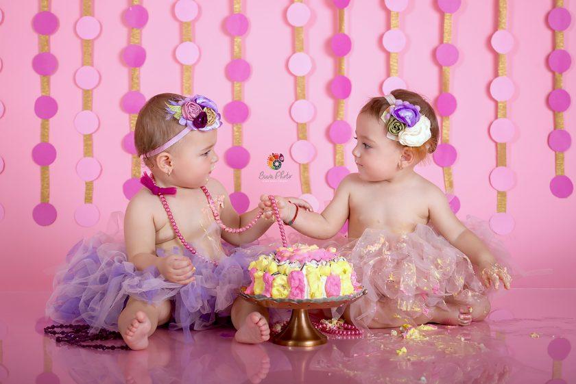 Ionelia si Delia- smash the cake